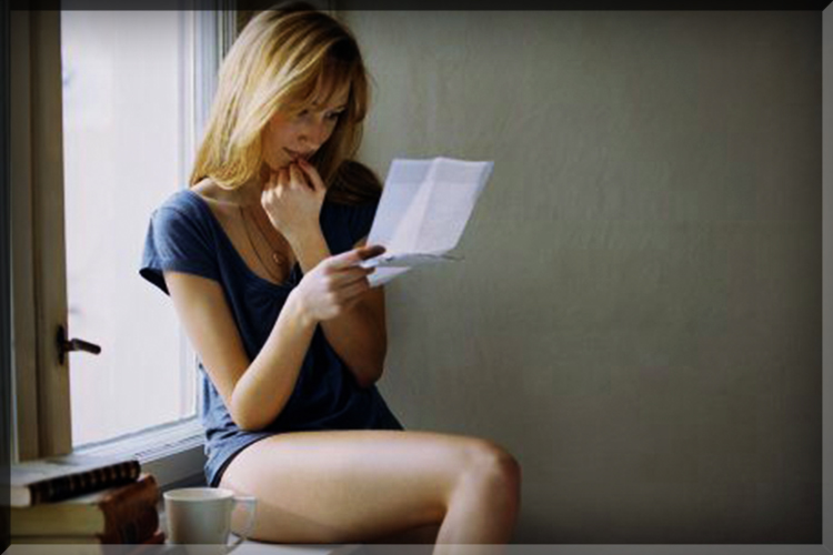 hot girl reading love letter facebook stalker handwritten hand writing hand-written wrote lover blonde boobs mail snail read sexy ex write note